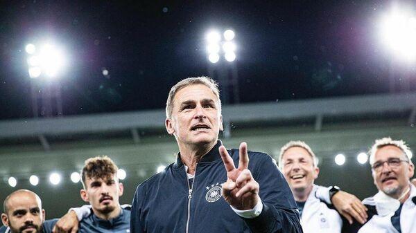 Немецкий тренер Штефан Кунц.