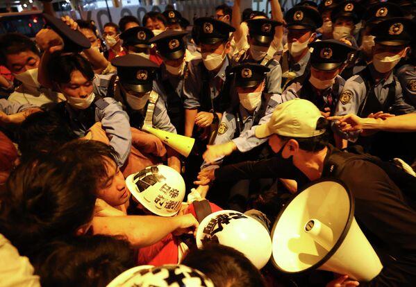 Протесты в Японии во время церемонии открытия Олимпиады-2020