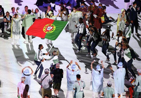 Сборная Португалии на церемонии открытия Олимпийских игр.