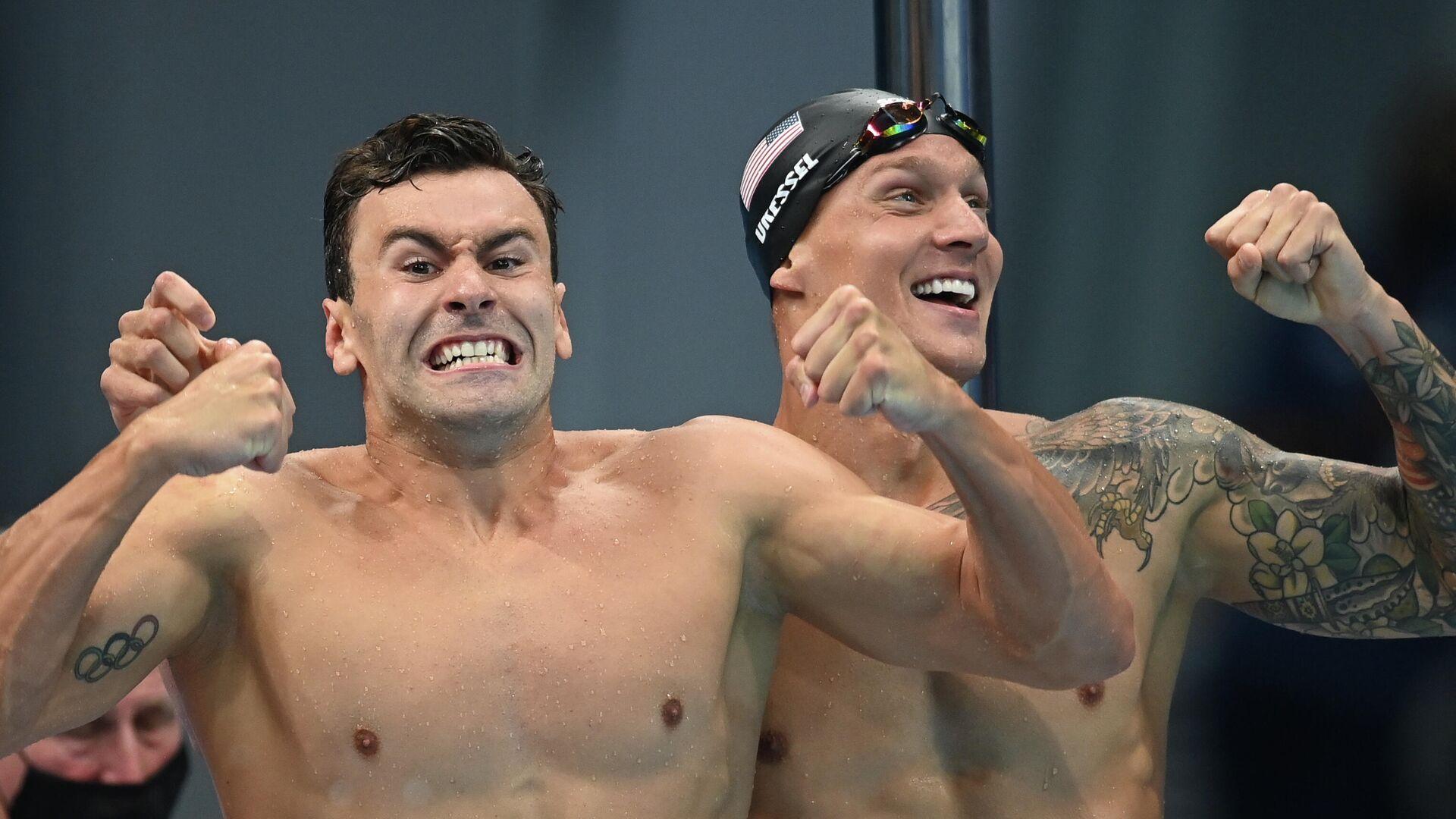 Члены сборной США по плаванию радуются победе в эстафете 4 х 100 метров свободным стилем среди мужчин на XXXII Олимпийских играх в Токио. - РИА Новости, 1920, 26.07.2021