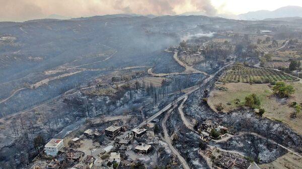 Последствия лесных пожаров в Манавгате, провинция Анталья, Турция