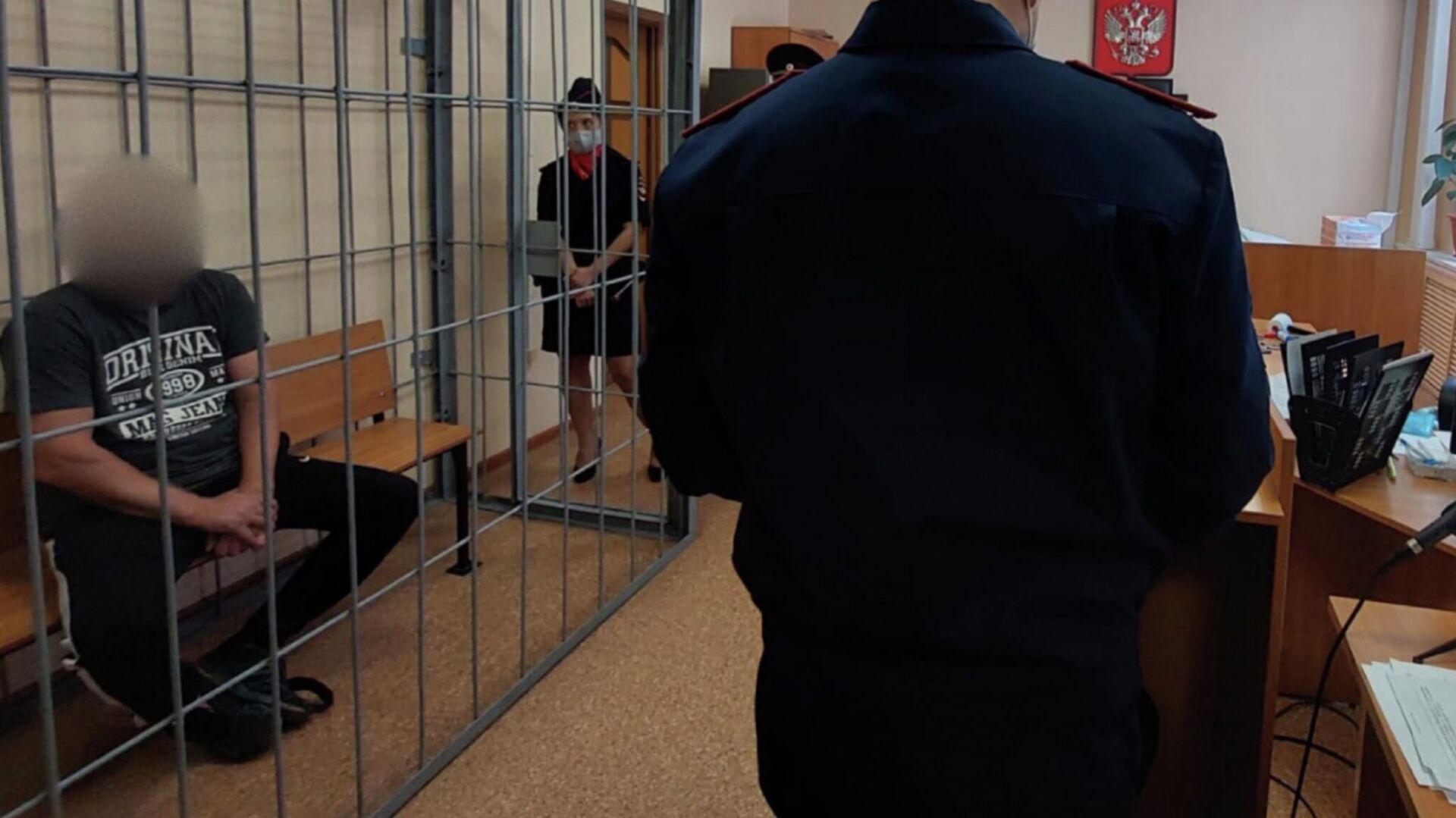 В городе Самаре в отношении мужчины, обвиняемого в убийстве девушки, избрана мера пресечения - РИА Новости, 1920, 31.07.2021