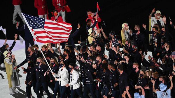 Спортсмены сборной США на параде атлетов на церемонии открытия XXXII летних Олимпийских игр в Токио