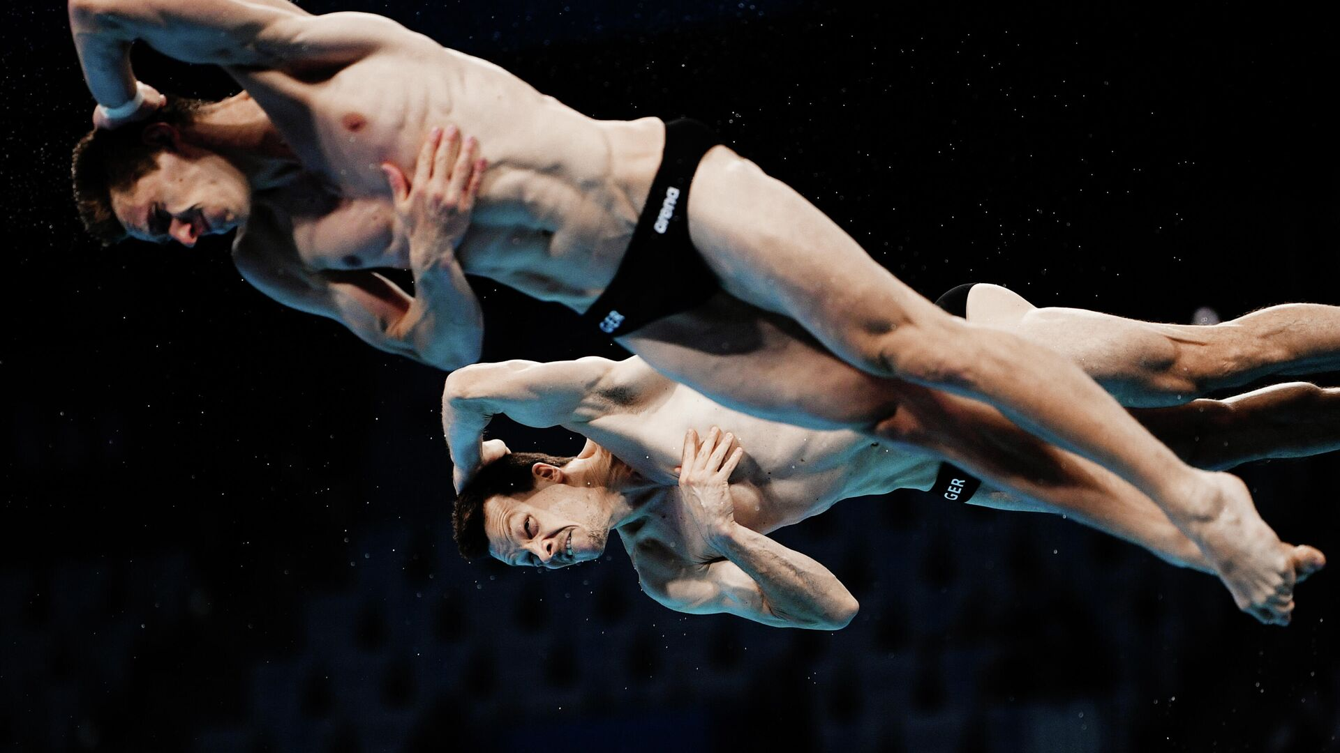 Олимпиада-2020. Синхронные прыжки в воду. Мужчины. Трамплин 3 м - РИА Новости, 1920, 30.09.2021
