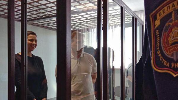 Мария Колесникова и Максим Знак в суде
