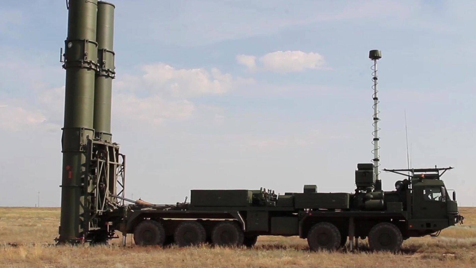 Новейшая зенитная ракетная система С-500 на полигоне Капустин Яр - РИА Новости, 1920, 16.09.2021