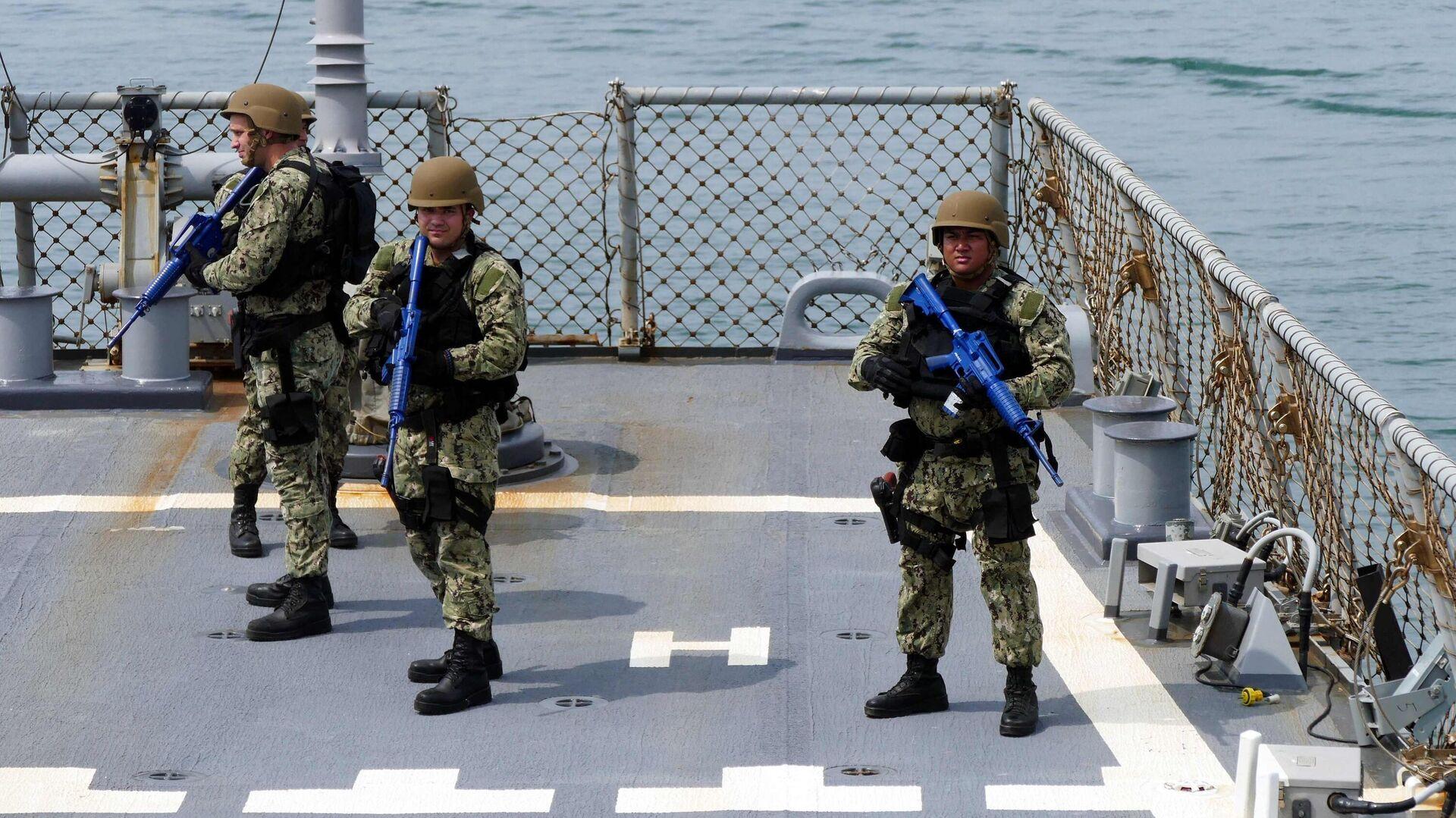Участники первого этапа морской фазы военных учений Sea Breeze-2021 - РИА Новости, 1920, 07.09.2021