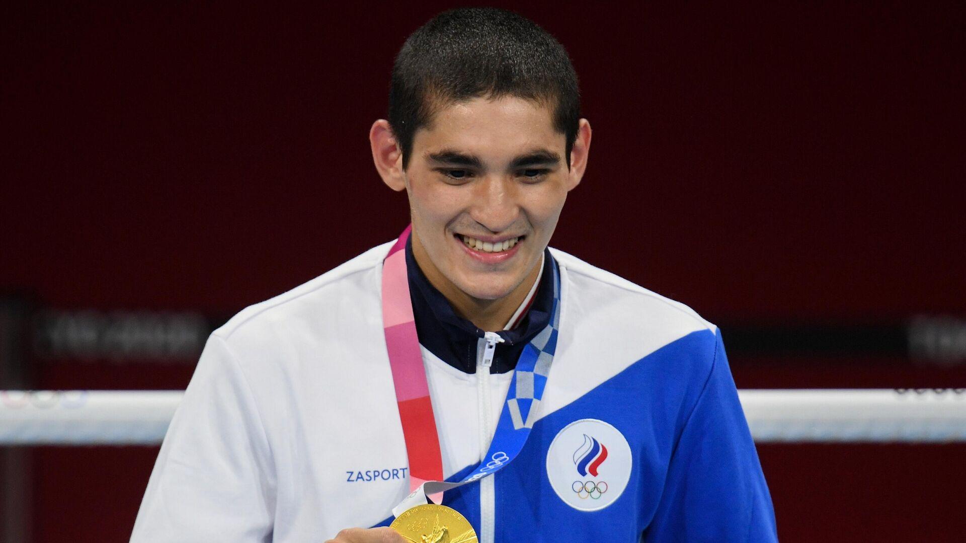 Альберт Батыргазиев, завоевавший золотую медаль в соревнованиях по боксу среди мужчин в весовой категории до 57 кг на XXXII летних Олимпийских играх в Токио - РИА Новости, 1920, 05.08.2021