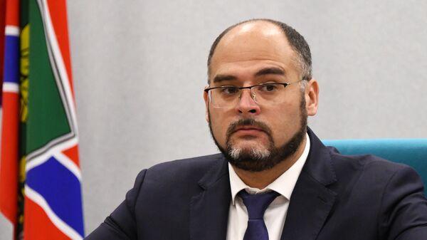 Избранный мэр Владивостока Константин Шестаков на церемонии официального вступления в должность