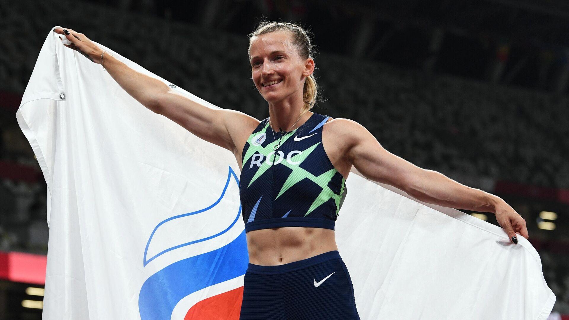 Анжелика Сидорова, завоевавшая серебряную медаль на соревнованиях по прыжкам с шестом среди женщин на XXXII летних Олимпийских играх в Токио - РИА Новости, 1920, 05.08.2021