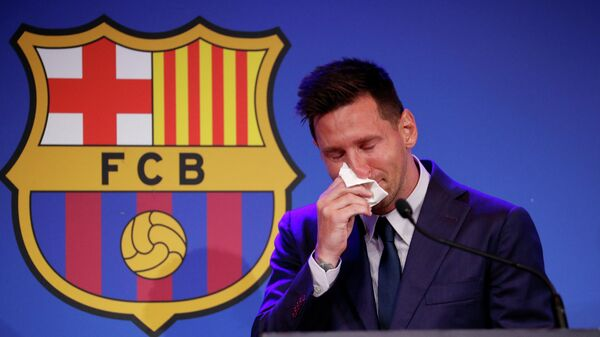 Лионель Месси на прощальной пресс-конференции по поводу ухода из испанского футбольного клуба Барселона