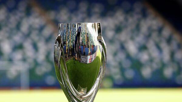 Трофей Суперкубка УЕФА по футболу