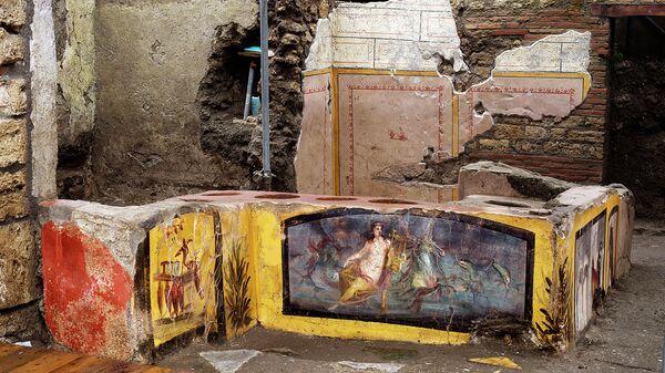 Фрагмент раскопок древнеримского термополия археологическом комплексе Помпеи