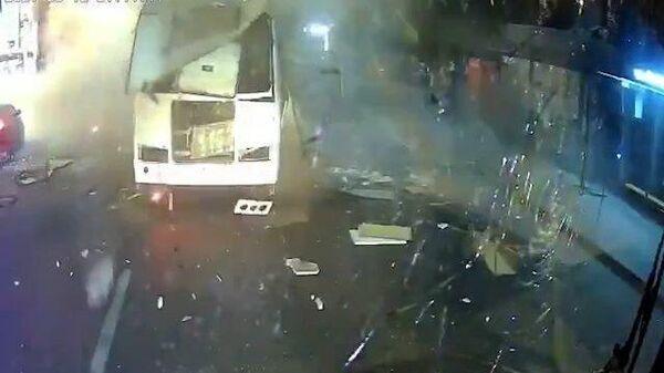 Момент взрыва автобуса в Воронеже