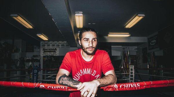 Боксер Нико Али Уолш.