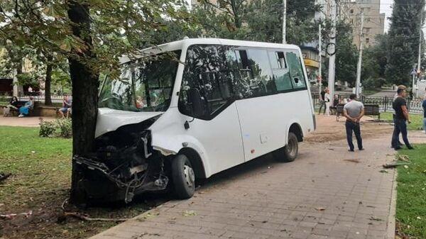 ДТП с участием маршрутного такси в Ставрополе