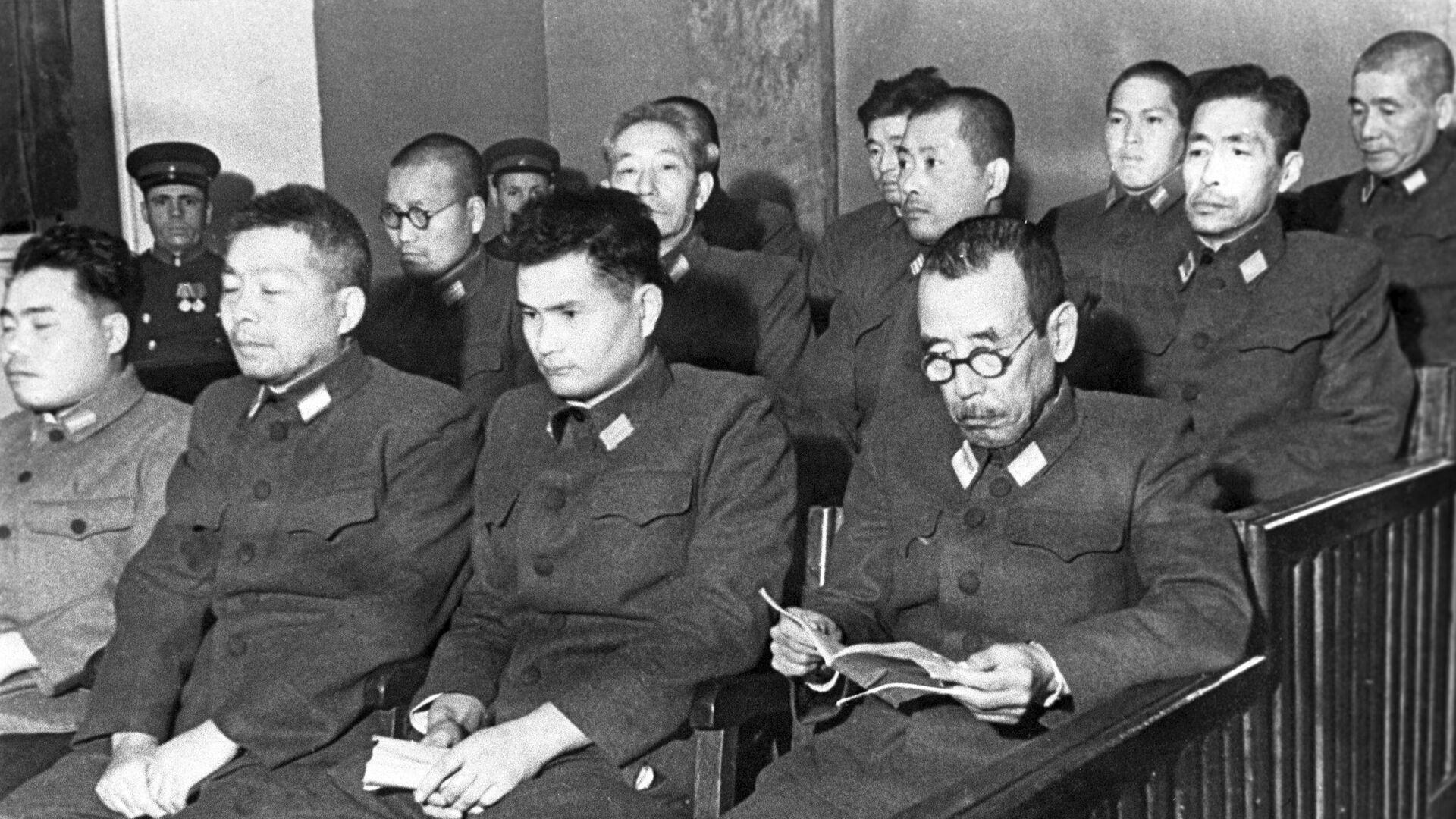 Подсудимые по делу бывших военнослужащих японской армии, обвиняемых в подготовке к применению бактериологического оружия - РИА Новости, 1920, 06.09.2021
