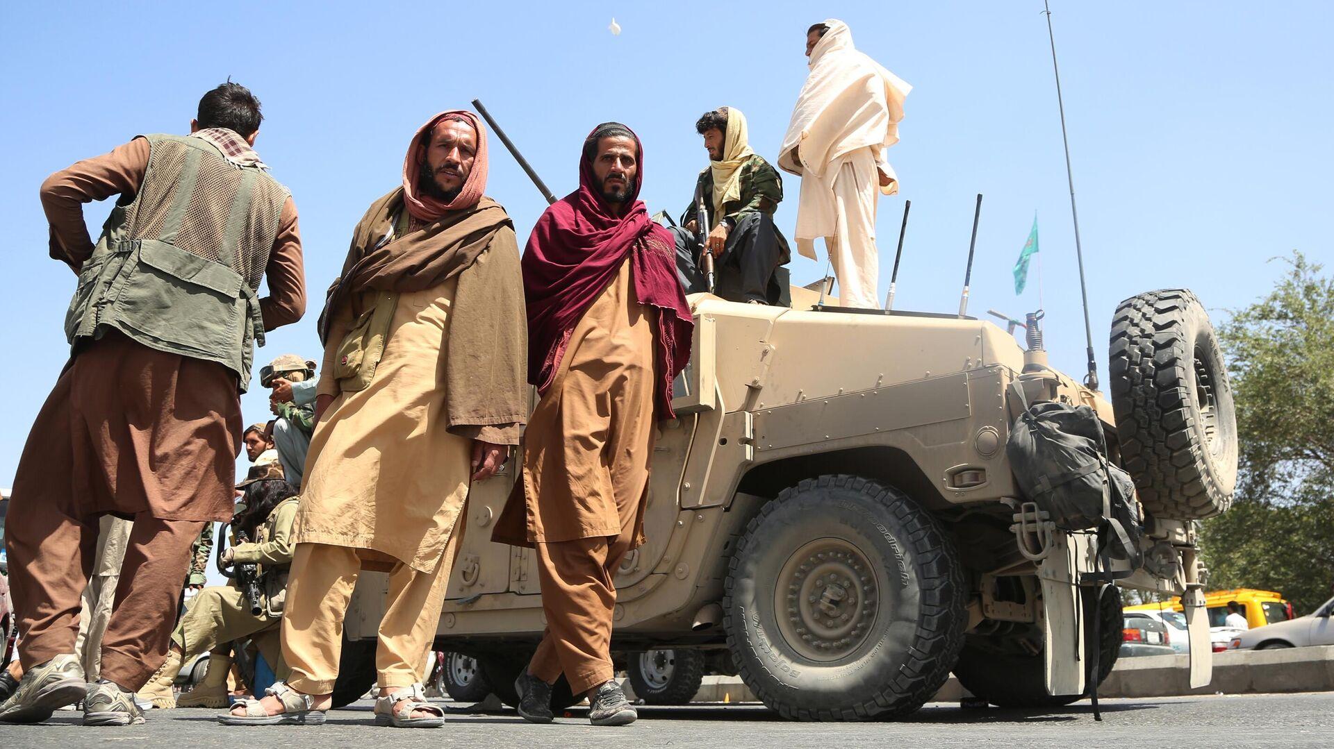 Боевики движения Талибан (террористическая организация, запрещена в России) в Кабуле - РИА Новости, 1920, 16.08.2021