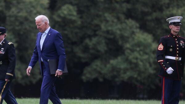 Президент США Джо Байден перед заявлением по Афганистану в Вашингтоне, США
