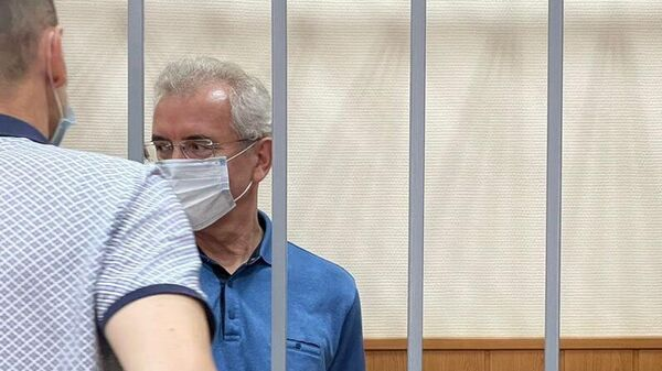 Экс-губернатор Пензенской области Иван Белозерцев, обвиняемый во взяточничестве, на заседании Басманного суда Москвы