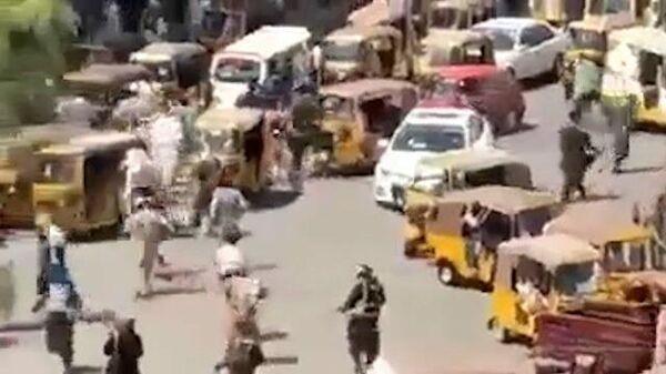 Талибы обстреляли митингующих в поддержку национального флага