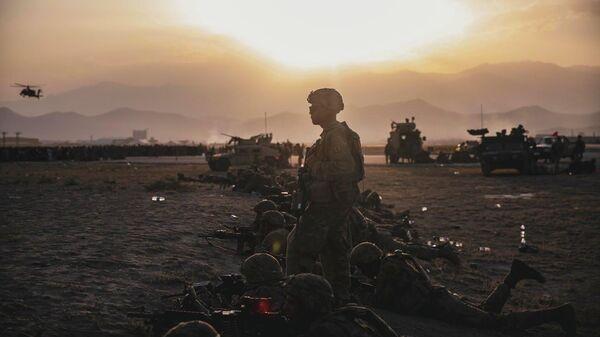Американские военные в международном аэропорту Хамида Карзая в Кабуле