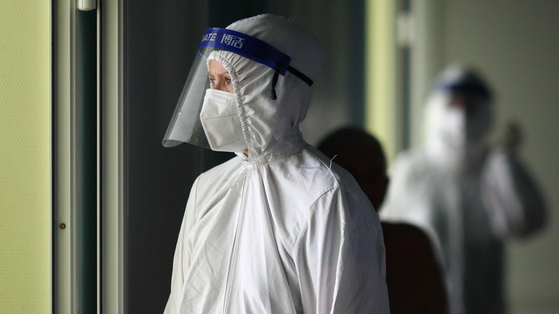 Медицинский работник в клинической больнице скорой помощи №15 в Волгограде - РИА Новости, 1920, 20.09.2021