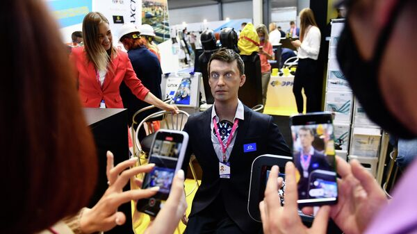 Человекоподобный робот Robo-C компании Promobot на Международной промышленной выставке Иннопром-2021 в Екатеринбурге.