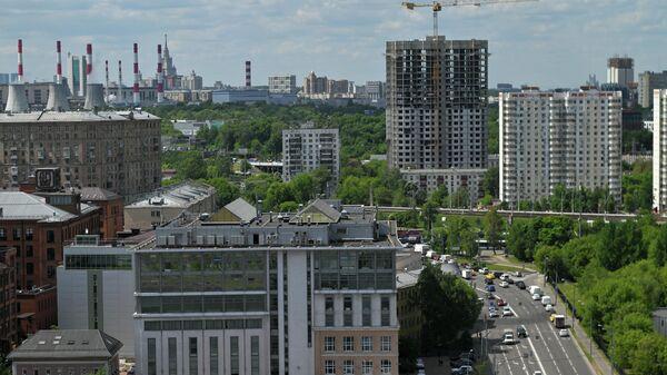 Вид на Новоданиловскую набережную в Москве