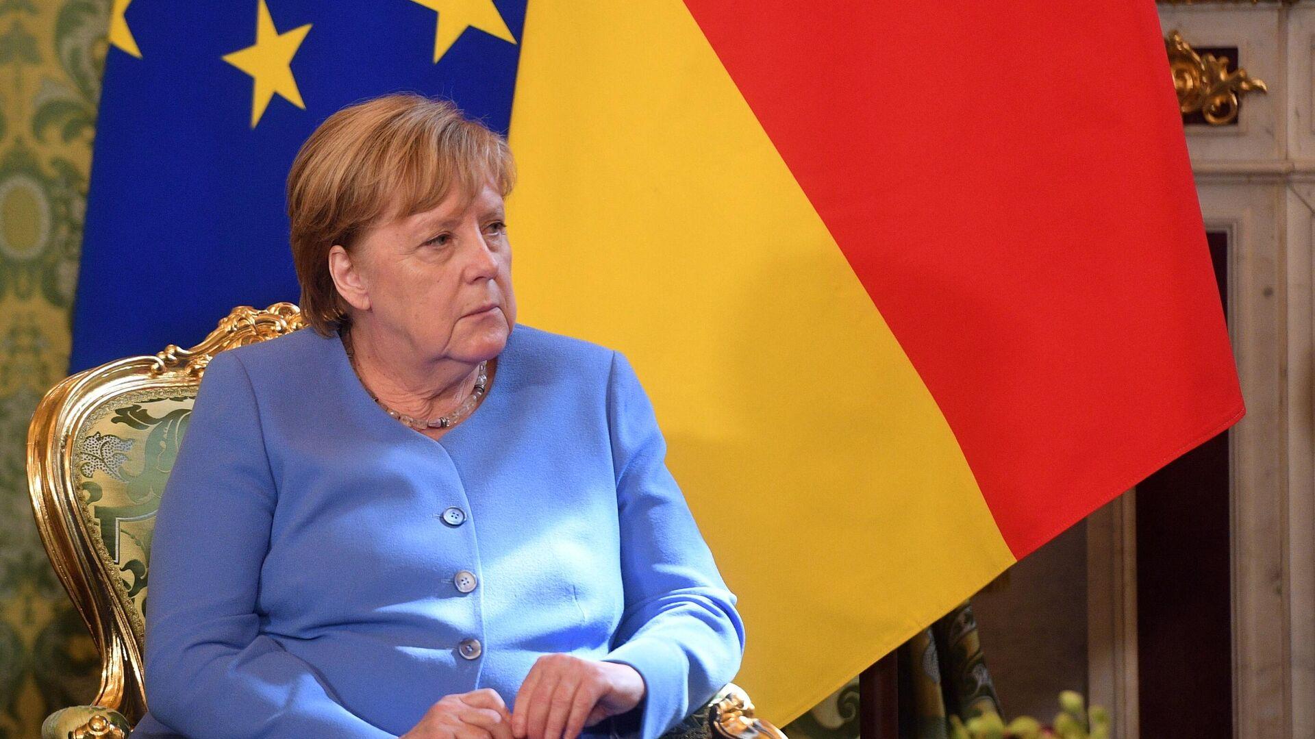 Федеральный канцлер Германии Ангела Меркель во время встречи с президентом РФ Владимиром Путиным - РИА Новости, 1920, 15.09.2021