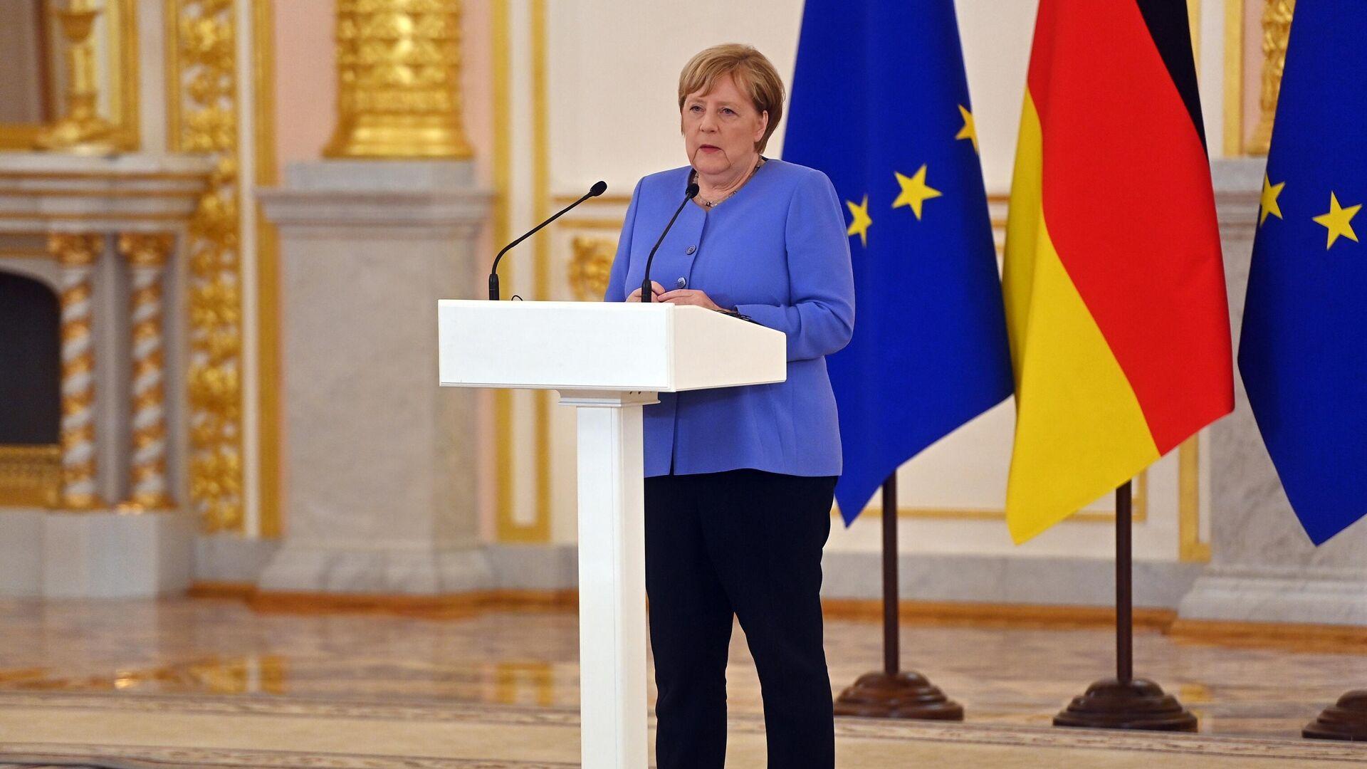 Федеральный канцлер Германии Ангела Меркель во время совместной с президентом РФ Владимиром Путиным пресс-конференции - РИА Новости, 1920, 20.08.2021