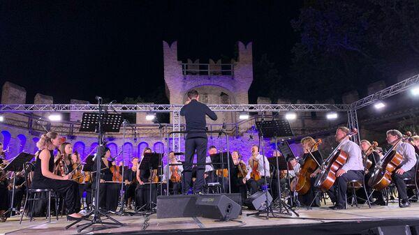 концерт музыкантов из Москвы в итальянском городе Градара