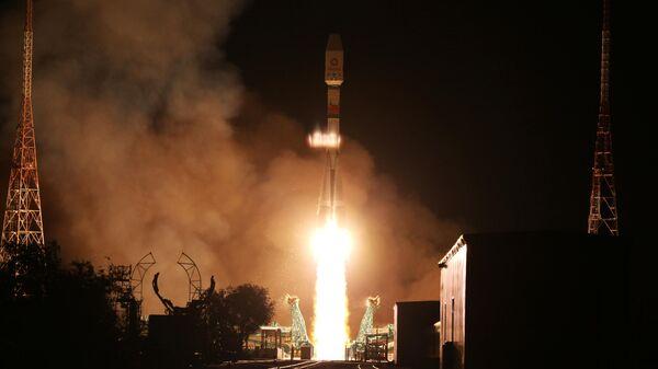 Пуск ракеты-носителя Союз-2.1б с космодрома Байконур