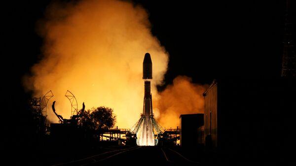 Пуск ракеты-носителя Союз-2.1б с разгонным блоком Фрегат и 34 космическими аппаратами спутниковой компании OneWeb с космодрома Байконур