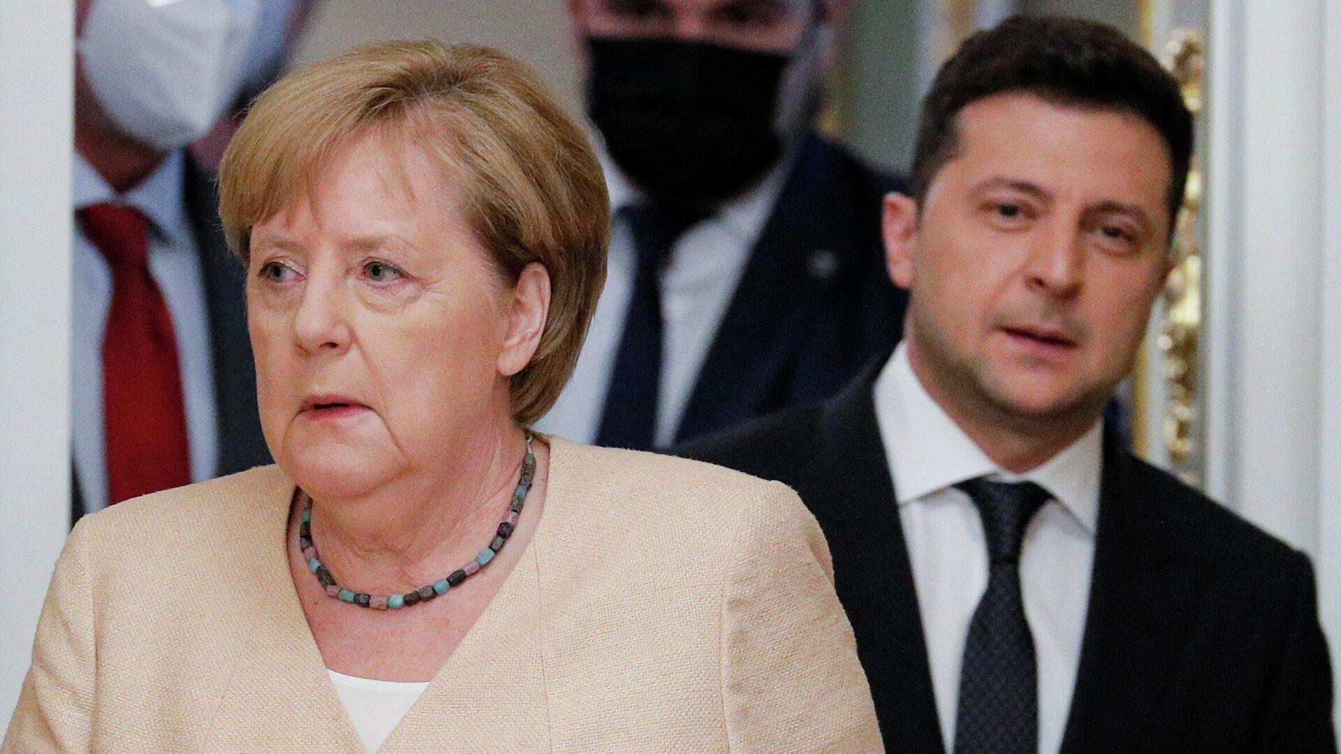 Президент Украины Владимир Зеленский и канцлер Германии Ангела Меркель во время встречи в Киеве - РИА Новости, 1920, 17.09.2021