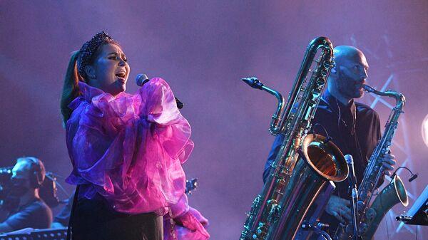 Певица ASET (Асет Самраилова) выступает на международном музыкальном фестивале Koktebel Jazz Party-2021