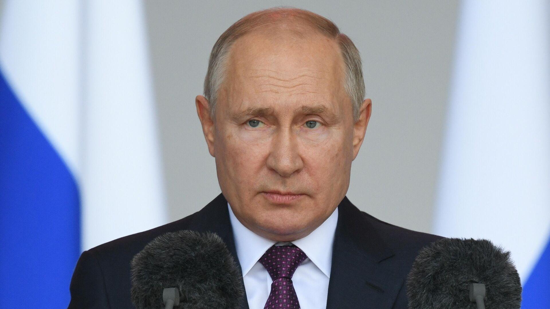Президент РФ Владимир Путин принимает участие в церемонии открытия международного военно-технического форума Армия-2021 - РИА Новости, 1920, 01.09.2021