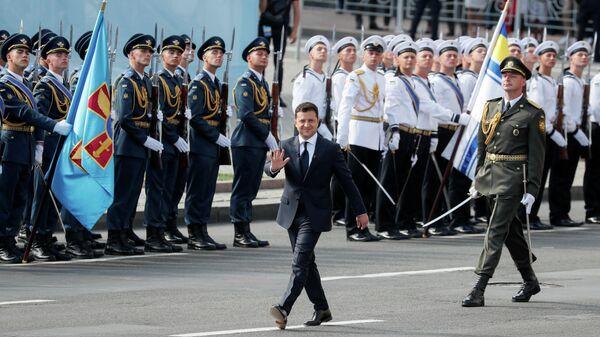 Президент Украины Владимир Зеленский на военном параде ко Дню независимости Украины в Киеве