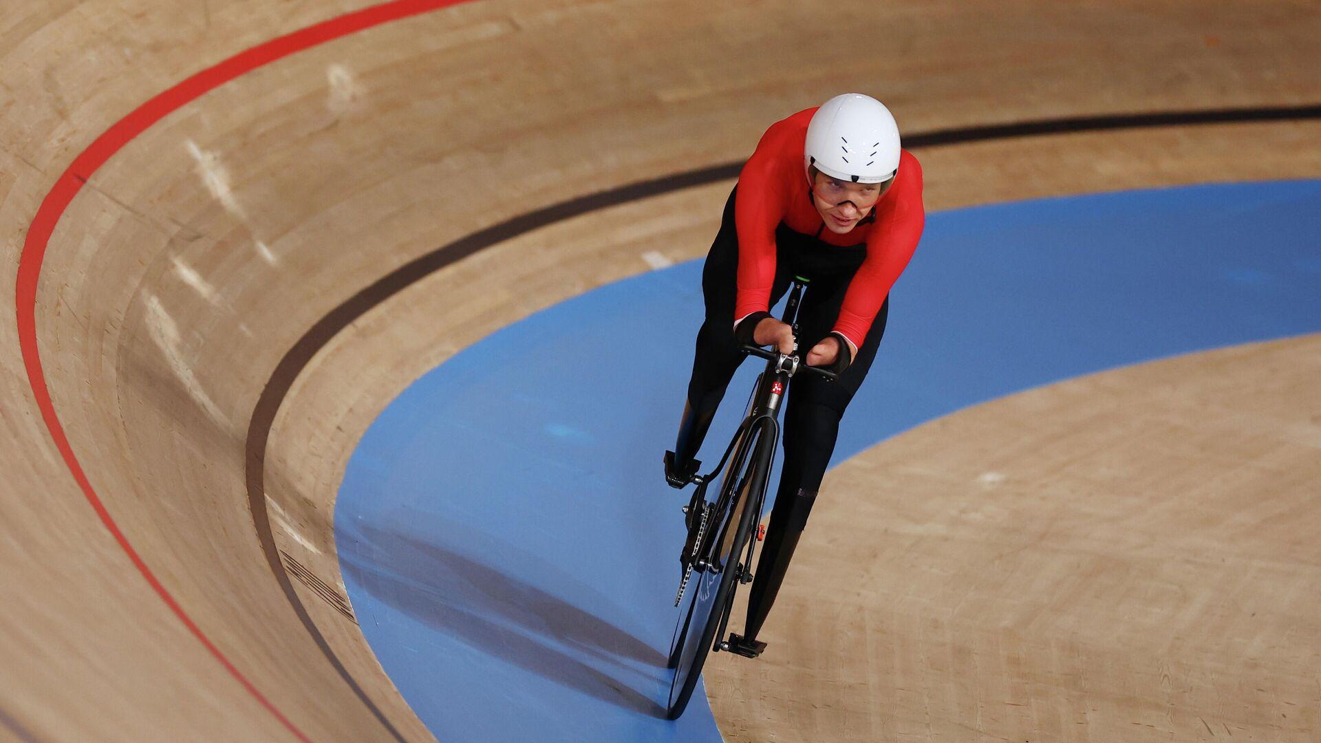 Велогонщик Михаил Асташов, выигравший индивидуальную гонку на 3000 метров в классе С1 на Паралимпийских играх в Токио - РИА Новости, 1920, 26.08.2021