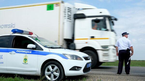В Приморье возбудили уголовные дела из-за вымогательства денег у водителей