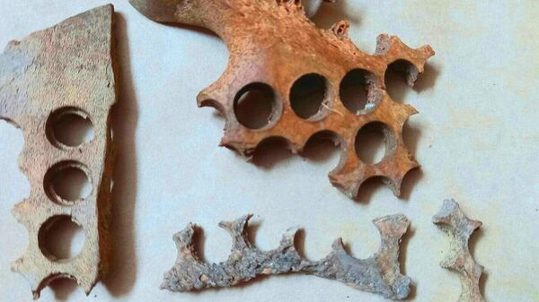 Артефакты, найденные время раскопок на территории бывшего Московского императорского воспитательного дома в Китайгородском проезде