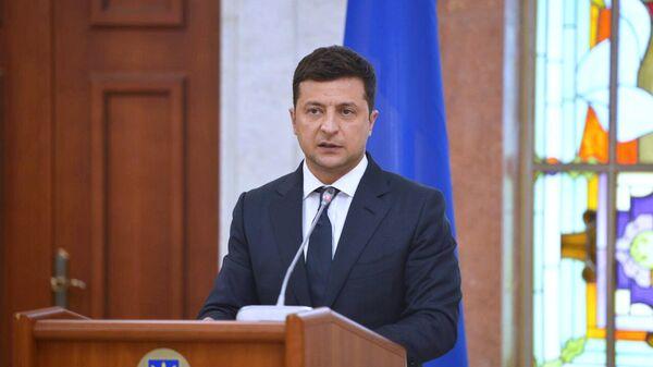 Президент Украины Владимир Зеленский на совместной встрече президентов Молдавии, Украины, Румынии и Польши в Кишиневе