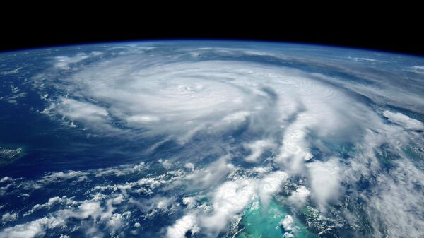 Ураган Ида, образовавшийся в Атлантическом океане, движется к побережью США со скоростью порядка 25 км/ч