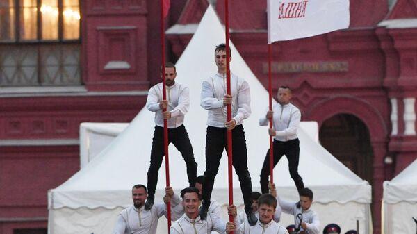 Выступление команды Кремлевской школы верховой езды в рамках XIV Международного военно-музыкального фестиваля Спасская башня