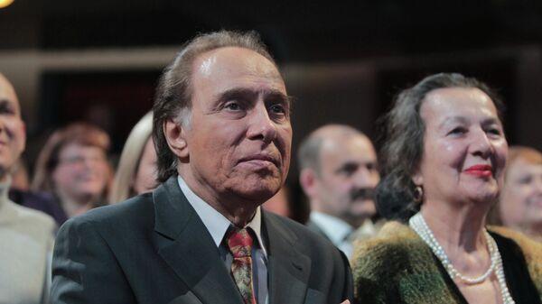 Актрисой Тамилла Агамирова с супругом