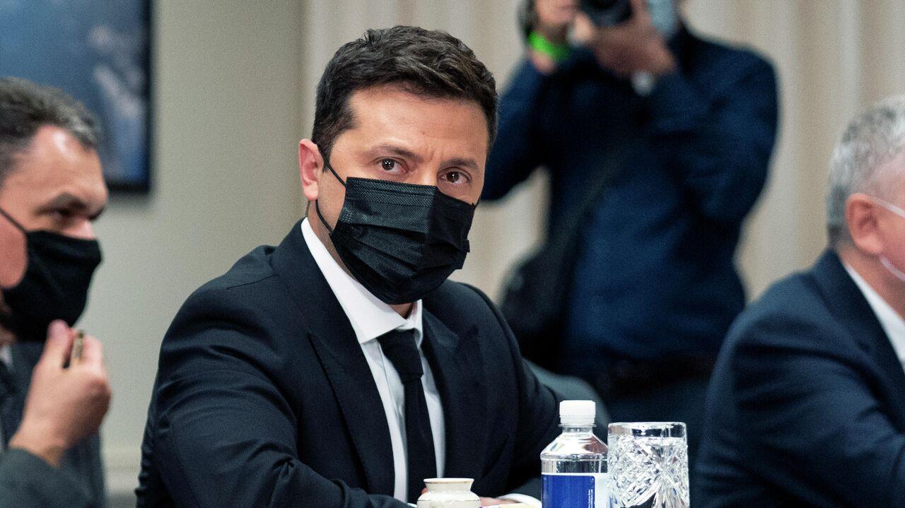 Зеленский опроверг заявления, что его офис формирует списки для эфиров