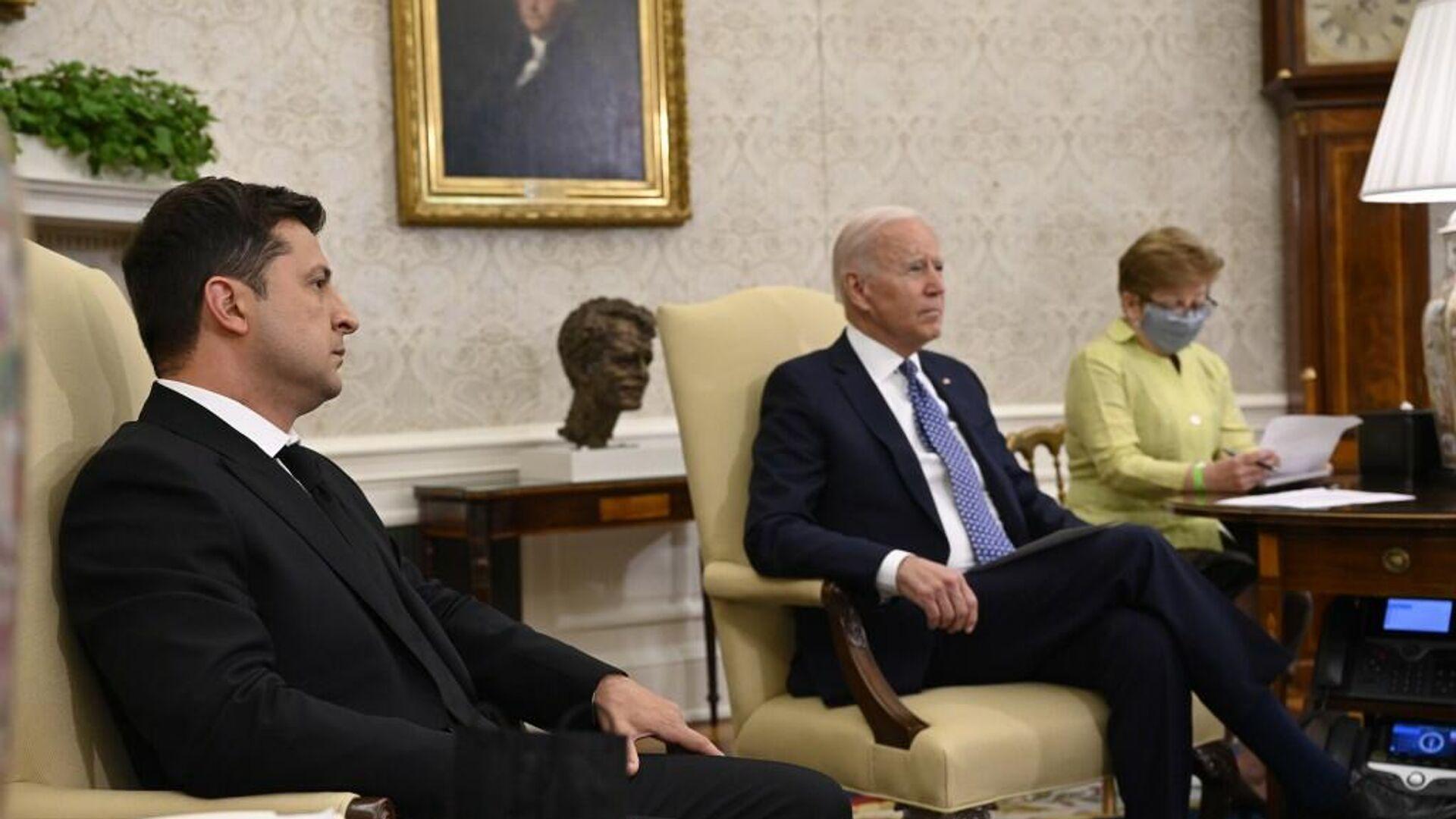 Президент Украины Владимир Зеленский и президент США Джо Байден во время встречи в Белом доме - РИА Новости, 1920, 02.09.2021