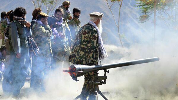 Силы сопротивления талибам* на боевой позиции в провинции Панджшер