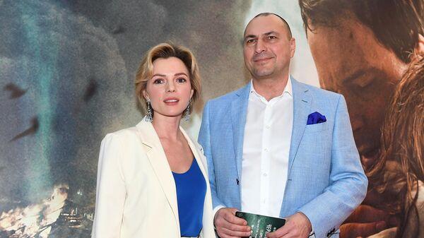 Телеведущая Елена Николаева и бизнесмен Игорь Вдовин