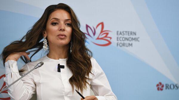 Руководитель федерального агентства по туризму (Ростуризм) Зарина Догузова принимает участие в сессии Санитарный щит. Как предотвратить новые пандемии в рамках ВЭФ во Владивостоке